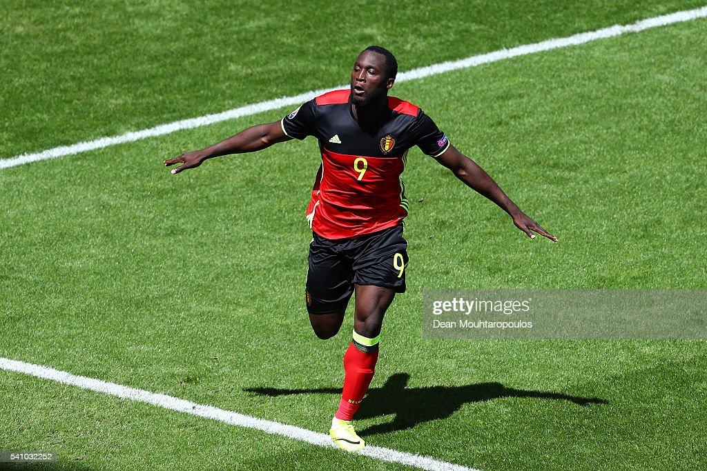 <a gi-track='captionPersonalityLinkClicked' href=/galleries/search?phrase=Romelu+Lukaku&family=editorial&specificpeople=6342802 ng-click='$event.stopPropagation()'>Romelu Lukaku</a> of Belgium celebrates scoring his team's first goal during the UEFA EURO 2016 Group E match between Belgium and Republic of Ireland at Stade Matmut Atlantique on June 18, 2016 in Bordeaux, France.