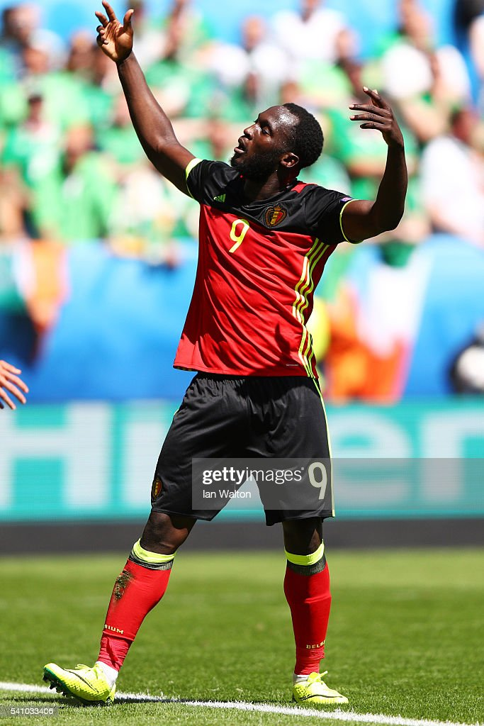 <a gi-track='captionPersonalityLinkClicked' href=/galleries/search?phrase=Romelu+Lukaku&family=editorial&specificpeople=6342802 ng-click='$event.stopPropagation()'>Romelu Lukaku</a> of Belgium celebrates scoring his team's third goal during the UEFA EURO 2016 Group E match between Belgium and Republic of Ireland at Stade Matmut Atlantique on June 18, 2016 in Bordeaux, France.
