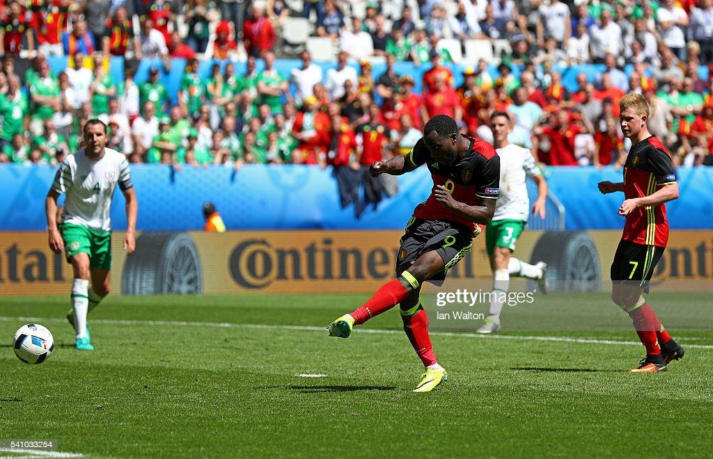 Romelu Lukaku of Belgium scores his team's third goal during the UEFA EURO 2016 Group E match between Belgium and Republic of Ireland at Stade Matmut Atlantique on June 18, 2016 in Bordeaux, France.