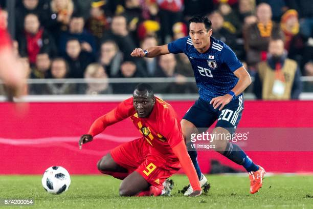 Romelu Lukaku of Belgium Tomoaki Makino of Japan during the friendly match between Belgium and Japan on November 14 2017 at the Jan Breydel stadium...