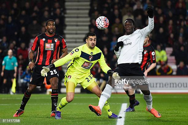 Romelu Lukaku of Everton and Adam Federici of Bournemouth compete for the ball during the Emirates FA Cup fifth round match between AFC Bournemouth...