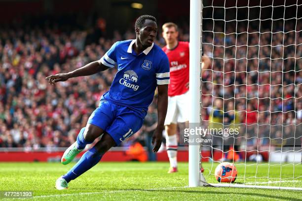 Romelu Lukaku of Everton celebrates after scoring a goal to level the scores at 11 during the FA Cup QuarterFinal match between Arsenal and Everton...
