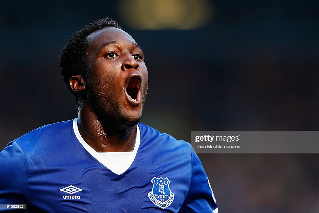 <a gi-track='captionPersonalityLinkClicked' href=/galleries/search?phrase=Romelu+Lukaku&family=editorial&specificpeople=6342802 ng-click='$event.stopPropagation()'>Romelu Lukaku</a> of Everton celebrates after scoring Everton's first goal during the Barclays Premier League match between Everton and Liverpool at Goodison Park on October 4, 2015 in Liverpool, England.