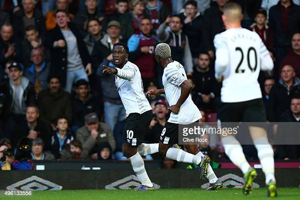 Romelu Lukaku of Everton celebrates scoring his team's first goal during the Barclays Premier League match between West Ham United and Everton at...