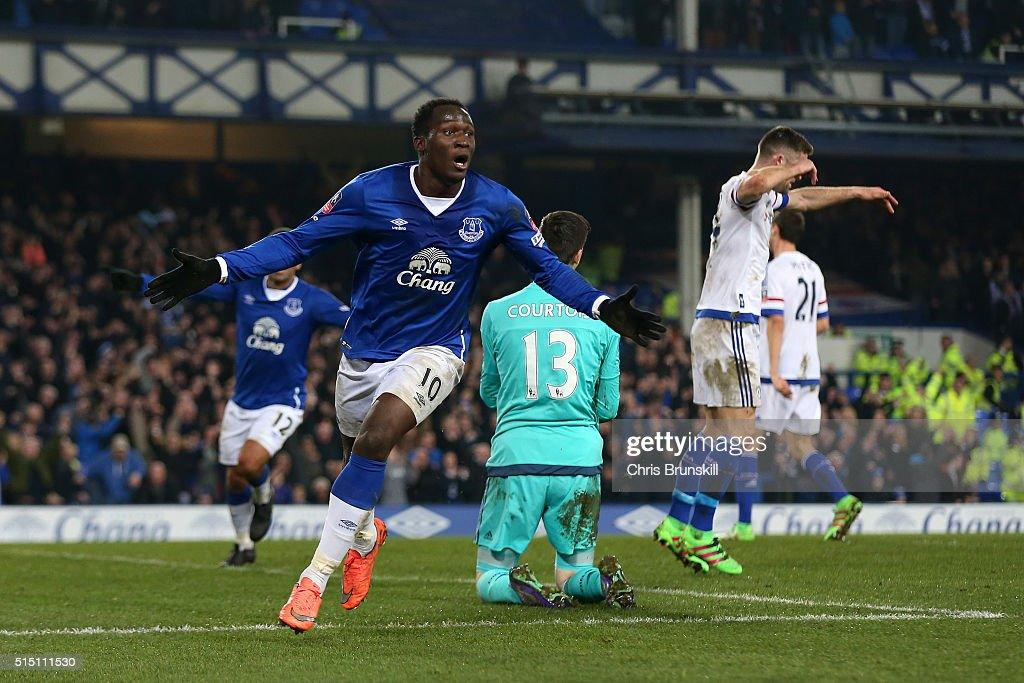 <a gi-track='captionPersonalityLinkClicked' href=/galleries/search?phrase=Romelu+Lukaku&family=editorial&specificpeople=6342802 ng-click='$event.stopPropagation()'>Romelu Lukaku</a> of Everton celebrates scoring his team's first goal during the Emirates FA Cup sixth round match between Everton and Chelsea at Goodison Park on March 12, 2016 in Liverpool, England.