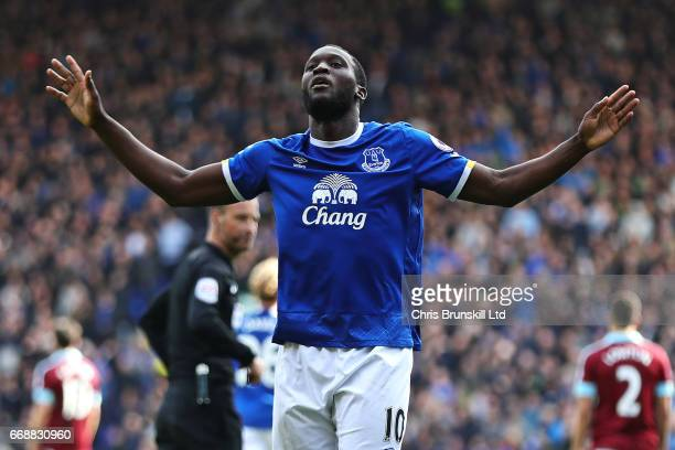 Romelu Lukaku of Everton celebrates scoring his team's third goal to make the score 31 during the Premier League match between Everton and Burnley at...