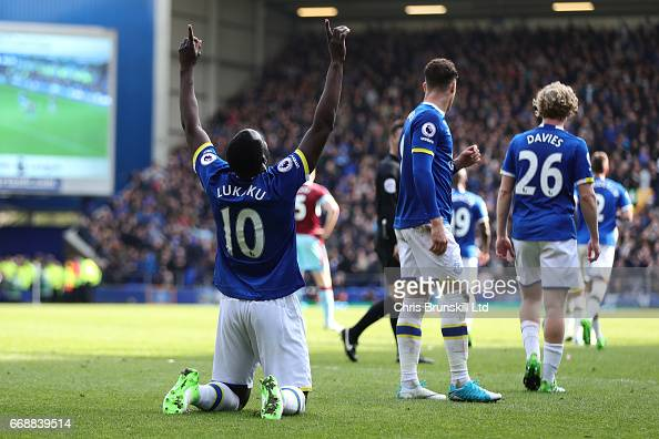 Everton v Burnley - Premier League : News Photo