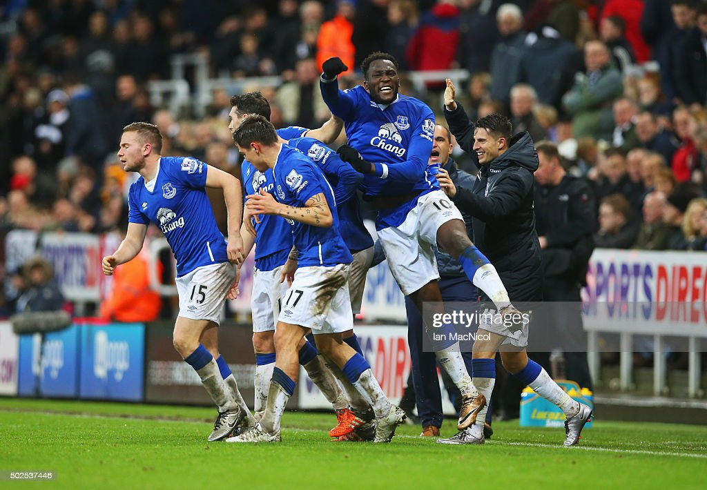 Romelu Lukaku of Everton celebrates with team mates as Tom Cleverley of Everton (15) scores their first goal during the Barclays Premier League match between Newcastle United and Everton at St James' Park on December 26, 2015 in Newcastle upon Tyne, England.