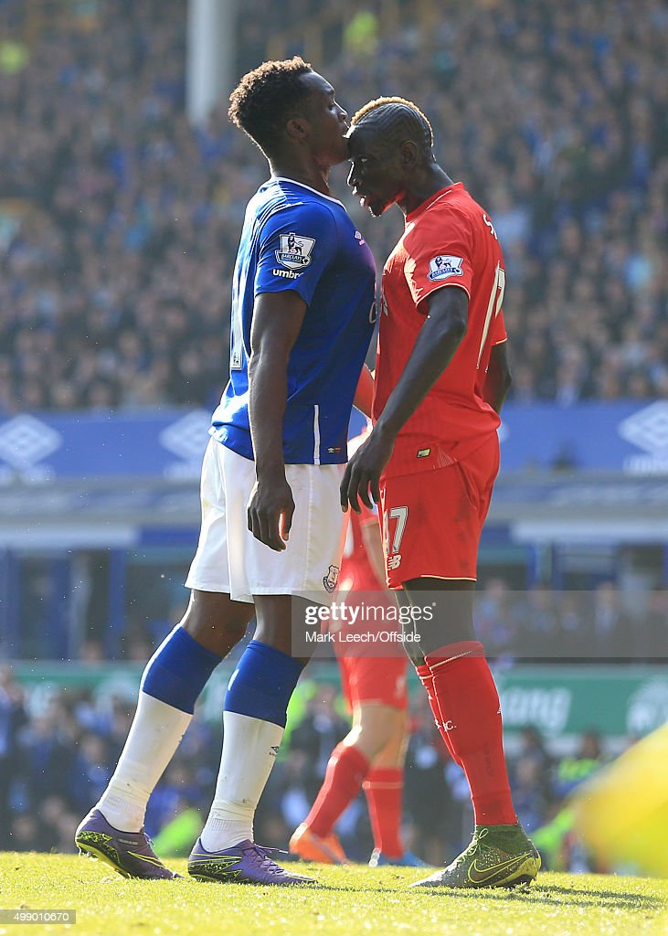 Romelu Lukaku of Everton goes head-to-head with Mamadou Sakho of Liverpool during the Barclays Premier League match between Everton and Liverpool at Goodison Park on October 4, 2015 in Liverpool, England.