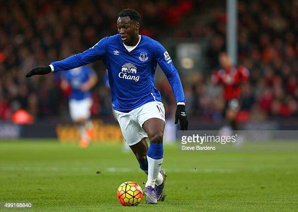 Romelu Lukaku of Everton in action during the Barclays Premier League match between AFC Bournemouth and Everton at Vitality Stadium on November 28...