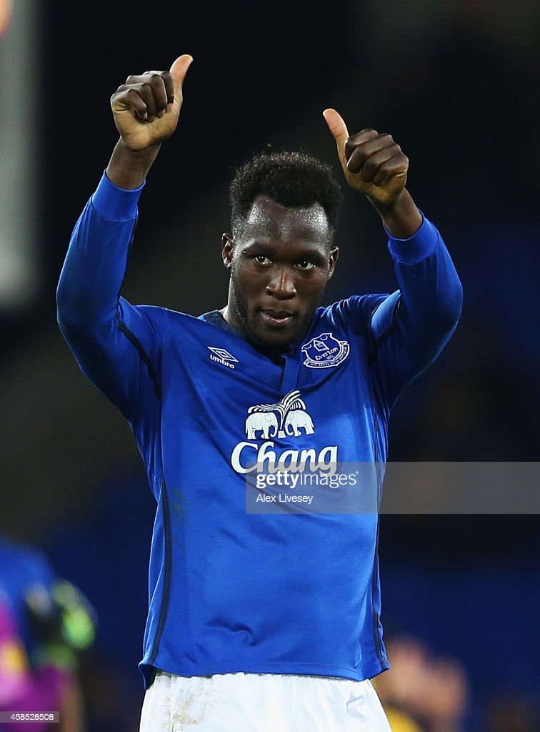 Romelu Lukaku of Everton salutes the crowd after victory in the UEFA Europa League Group H match between Everton FC and LOSC Lille at Goodison Park on November 6, 2014 in Liverpool, United Kingdom.