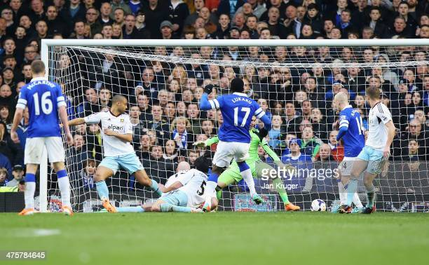 Romelu Lukaku of Everton scores his goal during the Barclays Premier League match between Everton and West Ham United at Goodison Park on March 1...