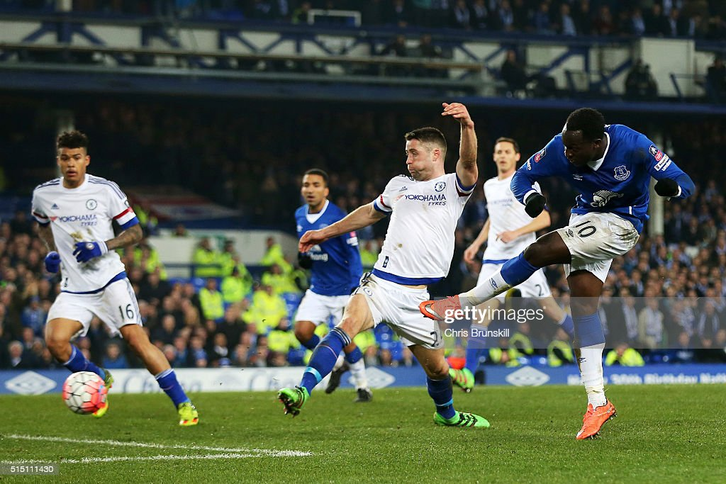 Romelu Lukaku of Everton scores his team's first goal during the Emirates FA Cup sixth round match between Everton and Chelsea at Goodison Park on March 12, 2016 in Liverpool, England.