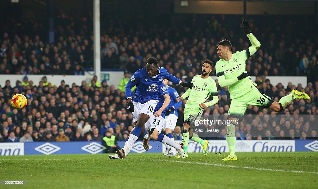 Romelu Lukaku of Everton scores his team's second goal during the Capital One Cup Semi Final First Leg match between Everton and Manchester City at Goodison Park on January 6, 2016 in Liverpool, England.