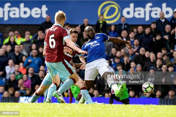Romelu Lukaku of Everton shoots to score during the Premier League match between Everton and Burnley at Goodison Park on April 15 2017 in Liverpool...