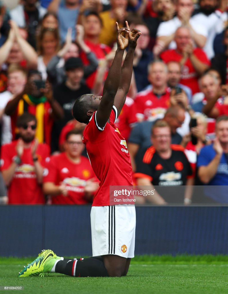 Romelu Lukaku of Manchester United celebrates scoring his sides first goal during the Premier League match between Manchester United and West Ham United at Old Trafford on August 13, 2017 in Manchester, England.