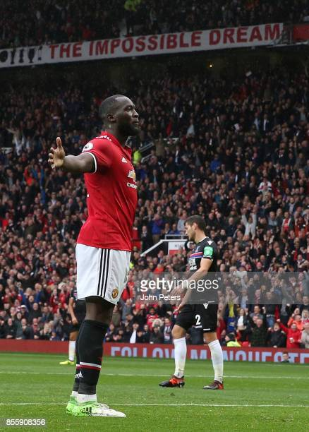 Romelu Lukaku of Manchester United celebrates scoring their fourth goal during the Premier League match between Manchester United and Crystal Palace...