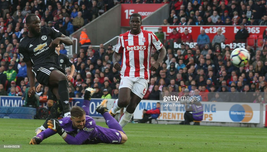 Romelu Lukaku of Manchester United scores their second goal during the Premier League match between Stoke City and Manchester United at Bet365 Stadium on September 9, 2017 in Stoke on Trent, England.