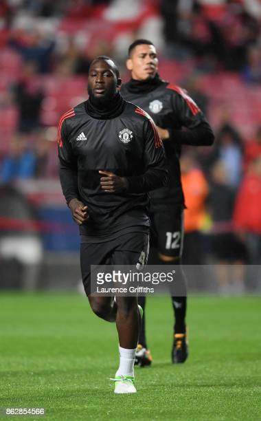 Romelu Lukaku of Manchester United warms up prior to the UEFA Champions League group A match between SL Benfica and Manchester United at Estadio da...