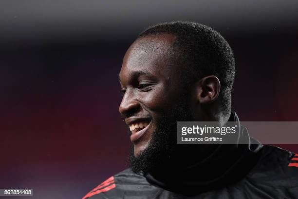 Romelu Lukaku of Manchester United warms up prior tothe UEFA Champions League group A match between SL Benfica and Manchester United at Estadio da...