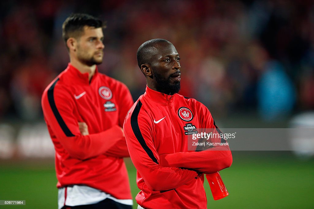 Romeo Castelen of the Wanderers appears dejected after the 2015/16 A-League Grand Final match between Adelaide United and the Western Sydney Wanderers at Adelaide Oval on May 1, 2016 in Adelaide, Australia.