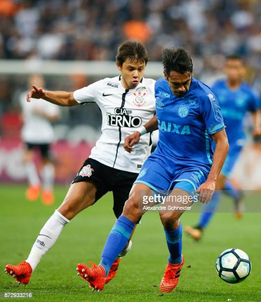 Romero of Corinthians and Junior Dutra of Avai in action during the match between Corinthians and Avai for the Brasileirao Series A 2017 at Arena...