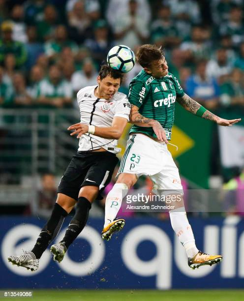 Romero of Corinthians and Roger Guedes of Palmeiras in action during the match between Palmeiras and Corinthians for the Brasileirao Series A 2017 at...