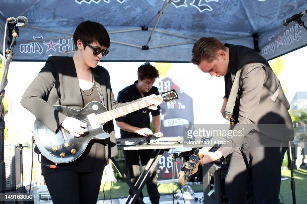 Romy Madley Croft Jamie Smith and Oliver Sim perform at the 987 FM Penthouse Party Presents The xx Exclusive Live Performance at The Historic...