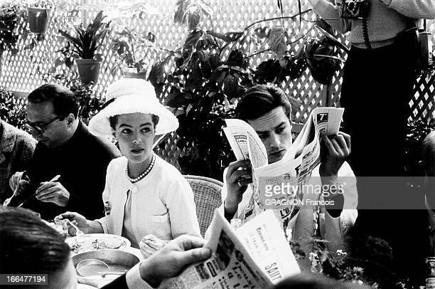 Cannes Film Festival 1962 Romy SCHNEIDER Alain DELON déjeunant à la table de la mère Terrat à la Napoule Cannes 1962