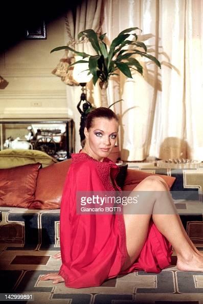 Romy schneider foto e immagini stock getty images for Christine caron piscine