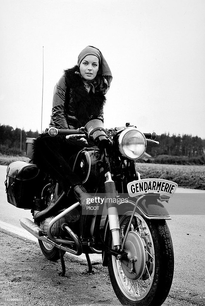 <a gi-track='captionPersonalityLinkClicked' href=/galleries/search?phrase=Romy+Schneider&family=editorial&specificpeople=672667 ng-click='$event.stopPropagation()'>Romy Schneider</a> on the set of 'Qui' by Leonard Keigel, 1970 in France.