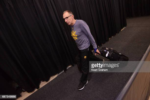 Ron Adams of the Golden State Warriors arrives at the arena before Game Four of the Western Conference Finals against the San Antonio Spurs during...