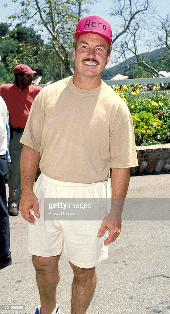 <a gi-track='captionPersonalityLinkClicked' href=/galleries/search?phrase=Ron+Cey&family=editorial&specificpeople=214588 ng-click='$event.stopPropagation()'>Ron Cey</a> during Pediatric Aids Event A Time For Heroes at Private House in Bel Air, California, United States.