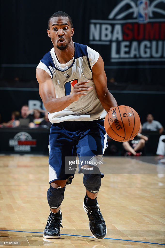 Ron Howard #4 of the Charlotte Bobcats drives during NBA Summer League game between the Charlotte Bobcats and the D-League Select Team on July 20, 2013 at the Cox Pavilion in Las Vegas, Nevada.