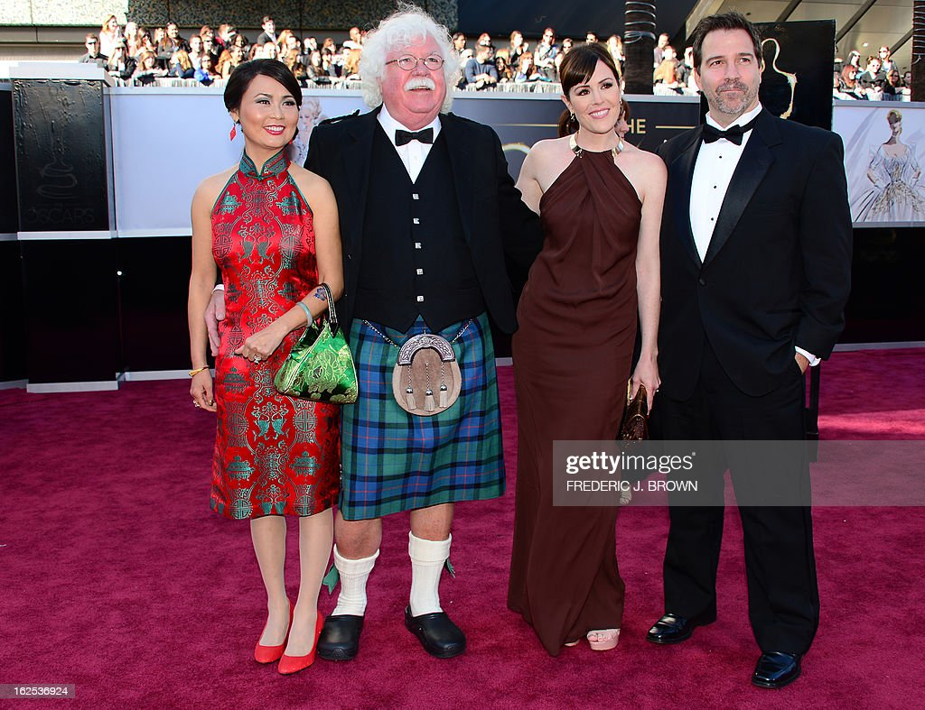 Ron MacFarlane, father of Seth MacFarlane(2ndL), his wife Xiao Xiang, Seth's sister Rachael MacFarlane (2ndR) and an unknown man arrive on the red carpet for the 85th Annual Academy Awards on February 24, 2013 in Hollywood, California.