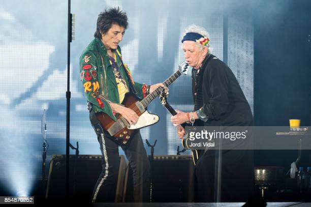 Ron Wood and Keith Richards of The Rolling Stones perform on stage at Estadi Olimpic on September 27 2017 in Barcelona Spain