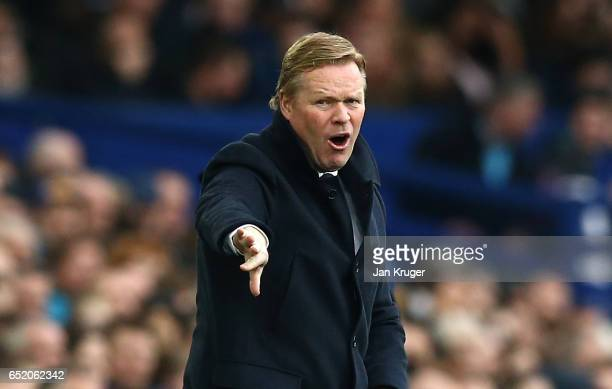 Ronald Koeman Manager of Everton gives his team instructions during the Premier League match between Everton and West Bromwich Albion at Goodison...