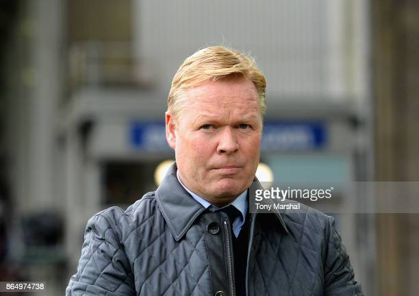Ronald Koeman Manager of Everton looks on prior to the Premier League match between Everton and Arsenal at Goodison Park on October 22 2017 in...