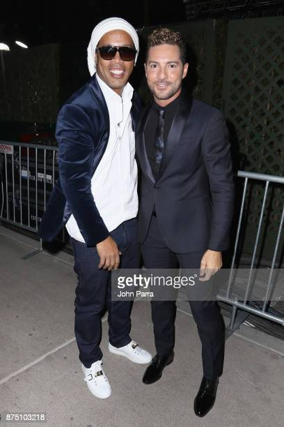 ¿Cuánto mide Ronaldinho? - Altura - Real height Ronaldinho-and-david-bisbal-attend-the-18th-annual-latin-grammy-at-picture-id875103218?s=612x612