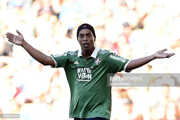 Ronaldinho Gaucho of Fluminense reacts during a match between Fluminense and Atletico Mineiro as part of Brasileirao Series A 2015 at Maracana...