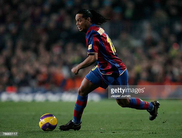 Ronaldinho of Barcelona controls the ball during the La Liga match between Barcelona and Real Madrid at the Camp Nou Stadium on December 23 2007 in...