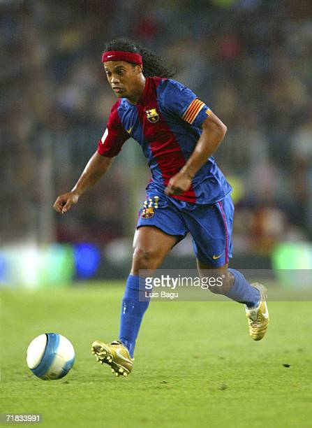 Ronaldinho of Barcelona in action during the La Liga match between FC Barcelona and Osasuna played at the Camp Nou stadium on September 9 2006 in...
