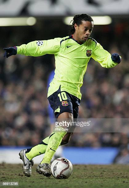 Ronaldinho of Barcelona in action during the UEFA Champions League Round of 16 First Leg match between Chelsea and Barcelona at Stamford Bridge on...