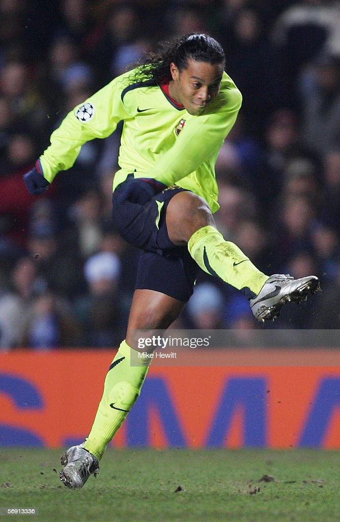 Ronaldinho of Barcelona in action during the UEFA Champions League Round of 16, First Leg match between Chelsea and Barcelona at Stamford Bridge on February 22, 2006 in London, England.