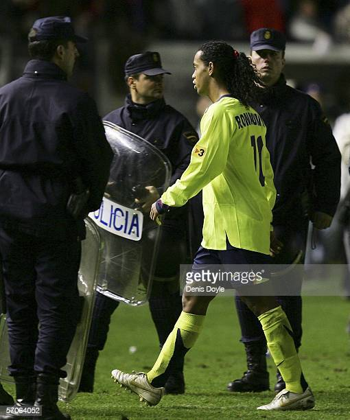 Ronaldinho of Barcelona leaves the pitch after his side lost 21 against Osasuna during a Primera Liga match at the Sadar stadium on March 12 2006 in...