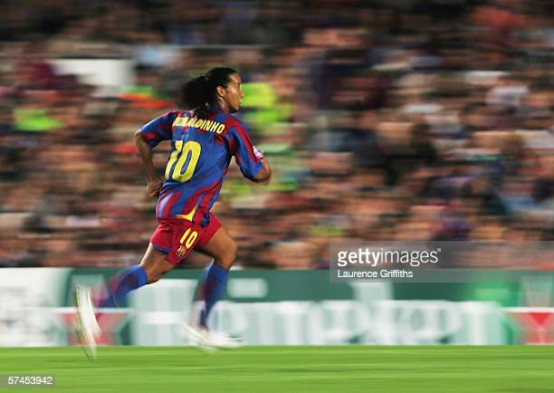 Ronaldinho of Barcelona races down the wing during the UEFA Champions League Semi Final match between Barcelona and AC Milan at the Camp Nou on April...