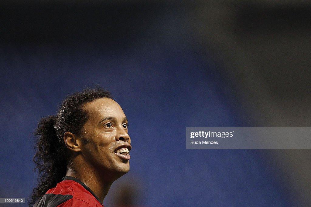 Flamengo v Coritiba - Brazilian Serie A