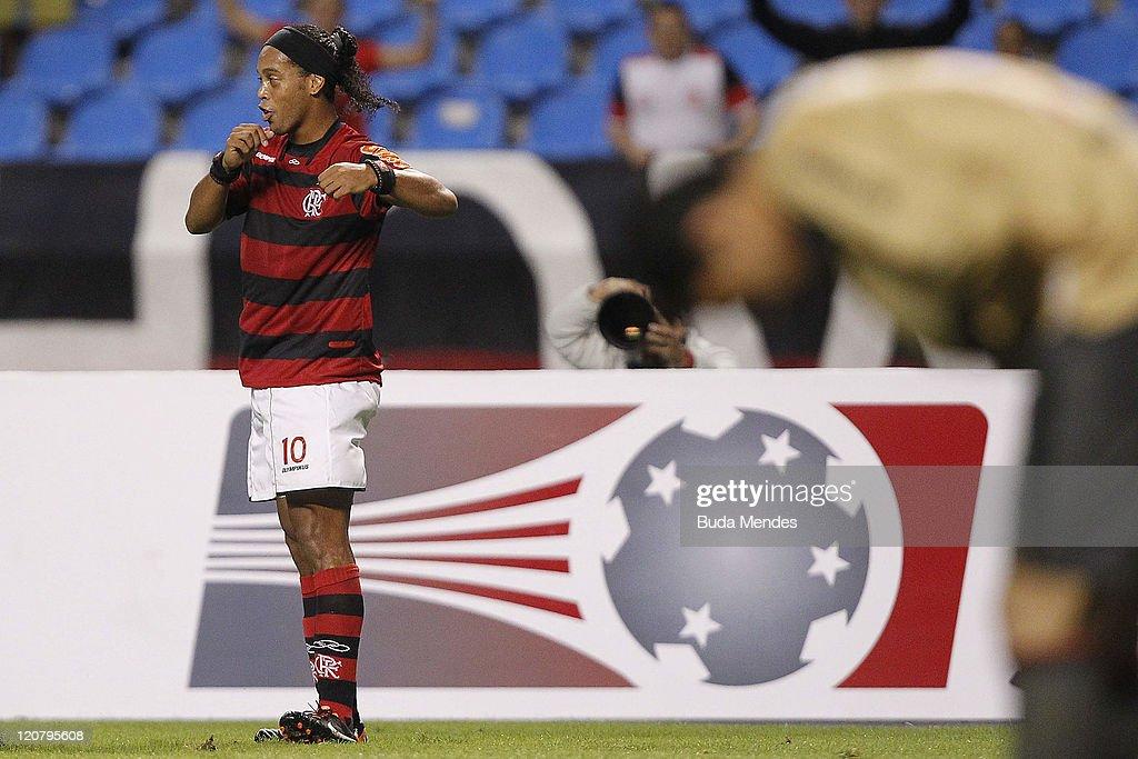 Ronaldinho of Flamengo celebrates scored goal againist during a match as part of Copa Bridgestone Sudamericana 2011 at Engenhao stadium on August 10...