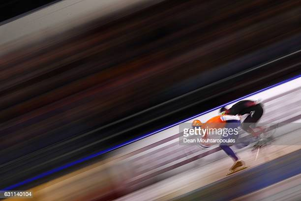 Ronald Mulder of the Netherlands and Nico Ihle of Germany compete in the 1000m Mens race on Day Two of the ISU European Speed Skating Championships...