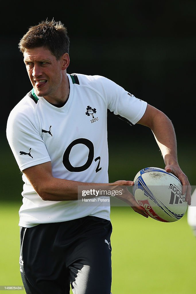 <a gi-track='captionPersonalityLinkClicked' href=/galleries/search?phrase=Ronan+O%27Gara&family=editorial&specificpeople=206865 ng-click='$event.stopPropagation()'>Ronan O'Gara</a> runs through drills during an Ireland rugby team training session at Onewa Domain on June 7, 2012 in Takapuna, New Zealand.